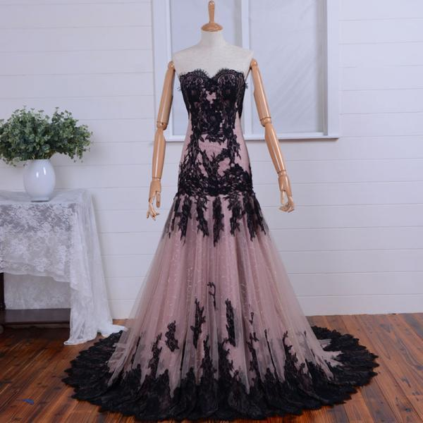 Royal Blue Prom Dress Classical Ball Gown Design Sweetheart Lace Appliques Women Prom Dresses Floor-length Quinceanera Dress Sweet